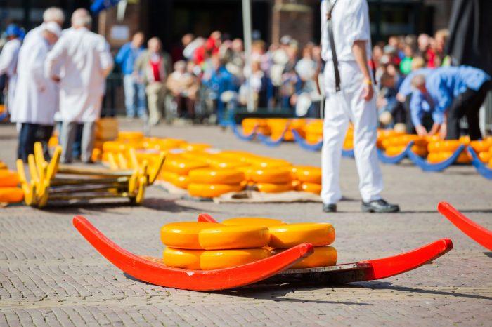 Käsemarkt Alkmaar und Egmond aan Zee (NL)