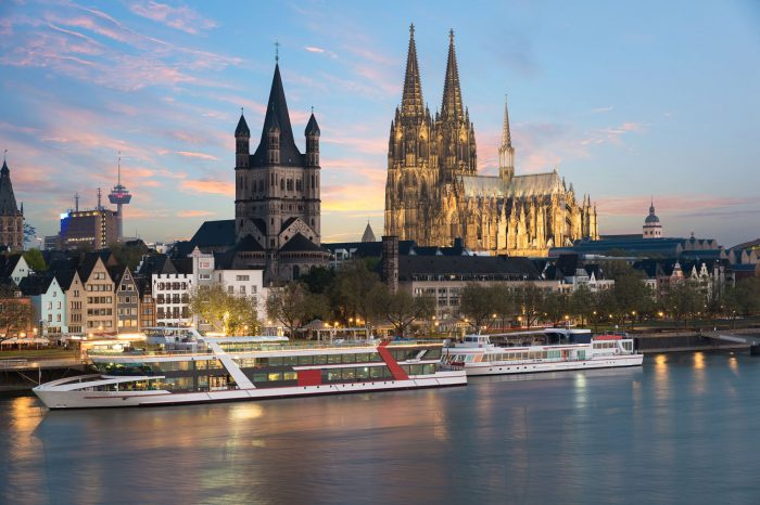 """Köln, Volksbühne """"Tratsch im Treppenhaus"""""""