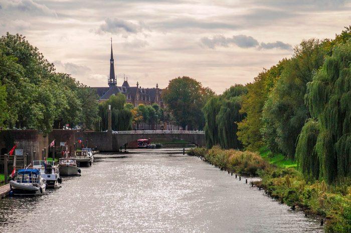 's-Hertogenbosch (NL) mit Grachtenfahrt